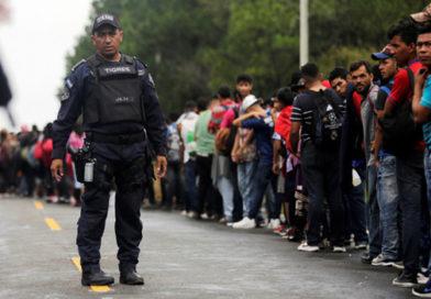 """Migración en la frontera México y EE.UU. se """"acerca a un momento de crisis"""", afirma Mike Pompeo"""